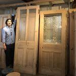 大谷石の家 / アンティークドア